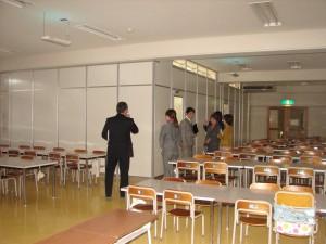 食堂を間仕切りせて2教室